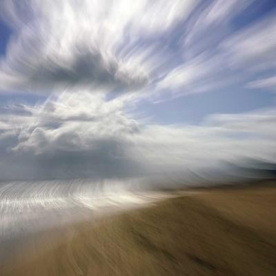 Lion-sur-Mer. Tout à commencé sur l'horizon de métal froid. Photographie unique dsponible