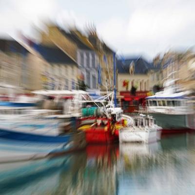 Port-en-Bessin. Conciliabule. Tirage unique disponible