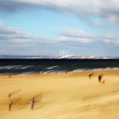 Trouville. Le Havre vu de la plage (2). Tirage unique disponible.